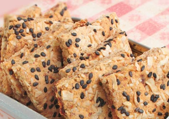 A handful of all-star ingredients have found their way into these Onion & Sun-Dried Tomato Heart Healthy Crackers.