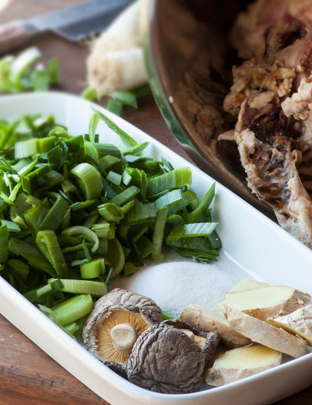 5-Ingredient Asian Chicken Broth