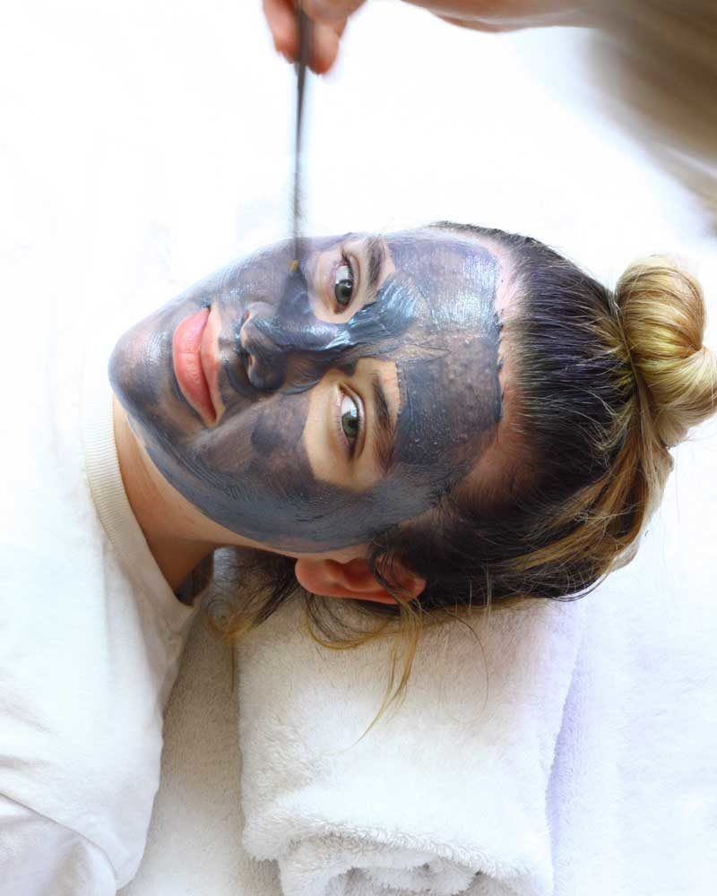 Created for problem skin, Nubian Heritage Black Soap Mud Mask deep cleans pores, for the easy flushing away of toxins.